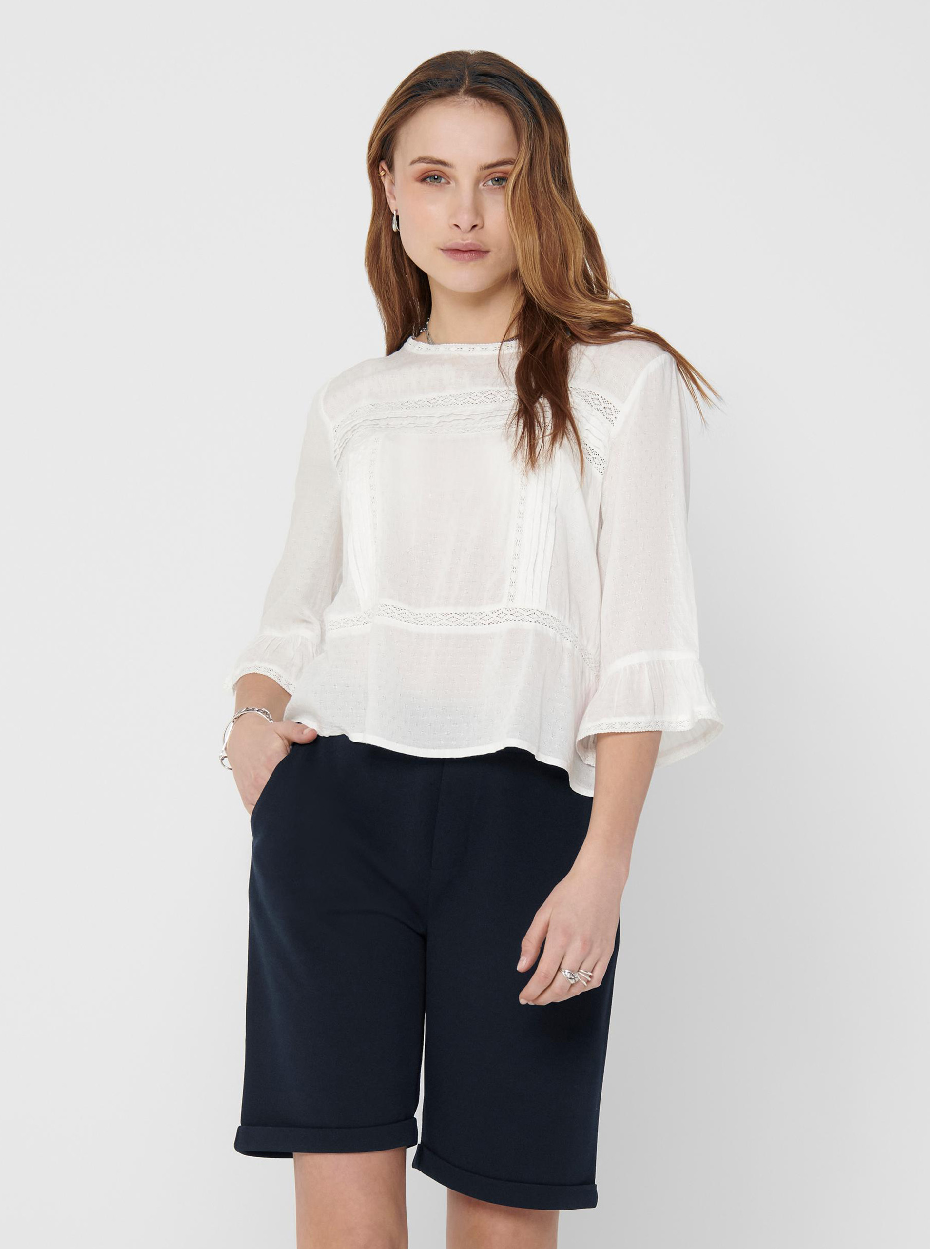 Only white women´s blouse Anemone