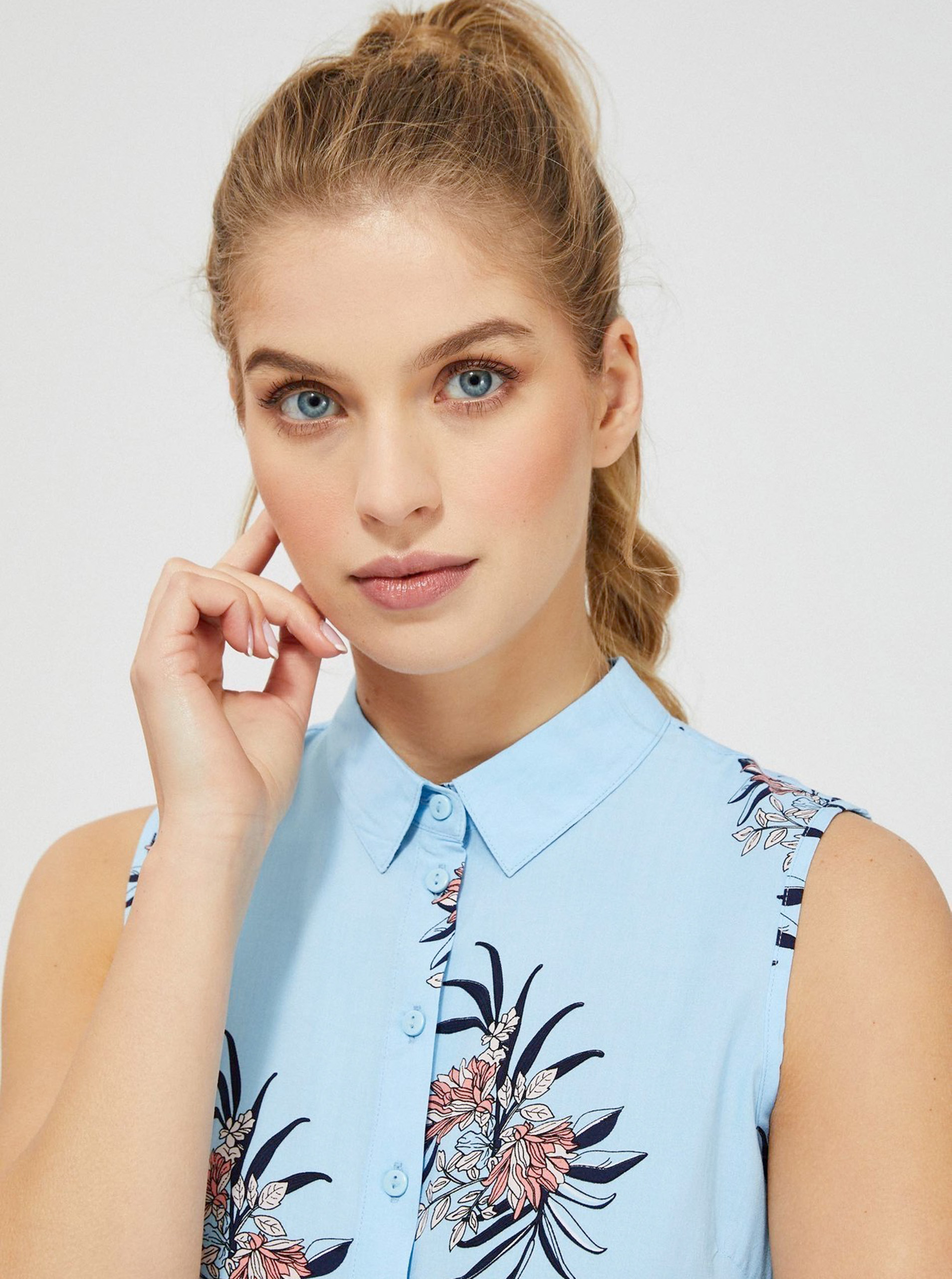 Moodo blue blouse with floral motif