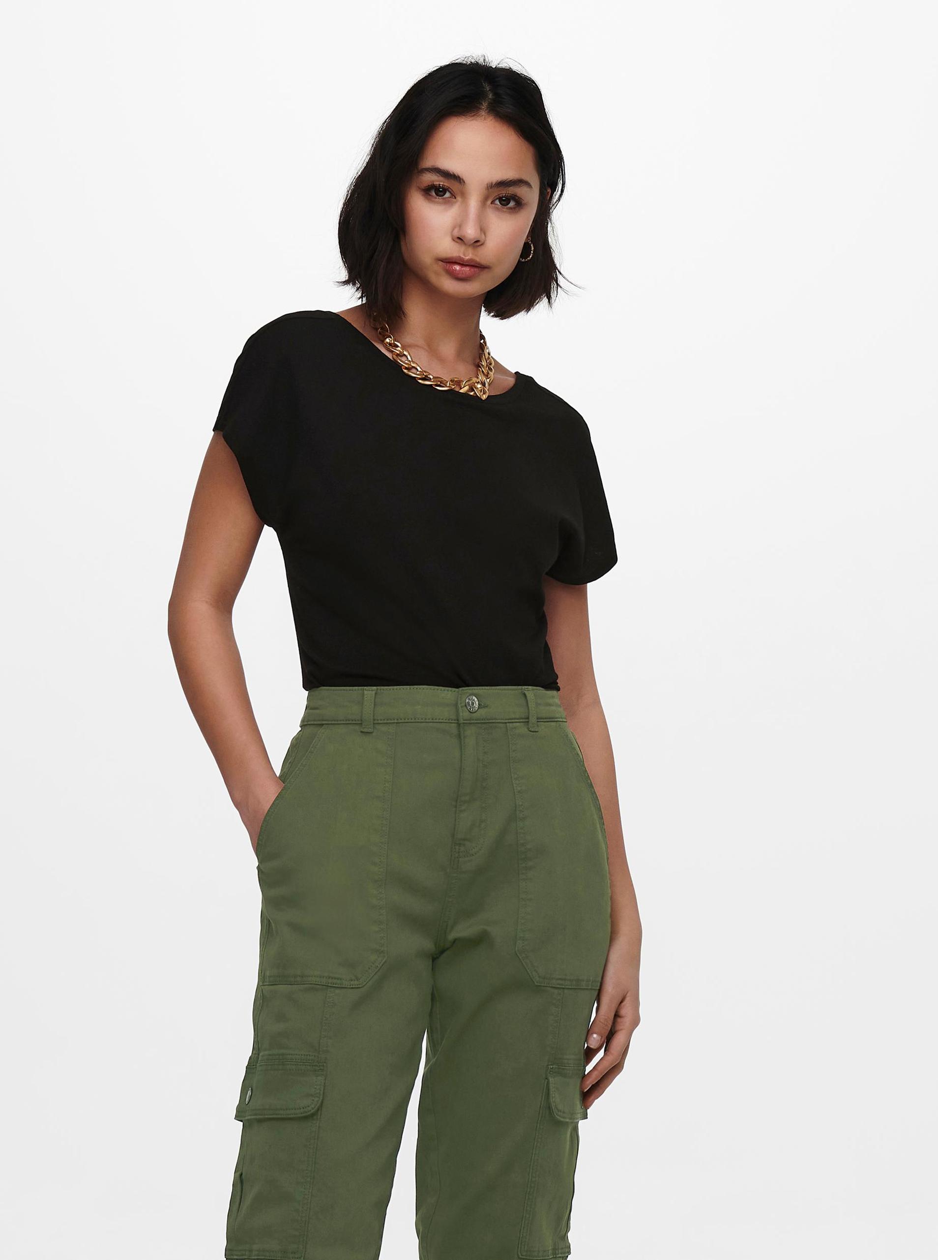 Only black women´s T-shirt Ama