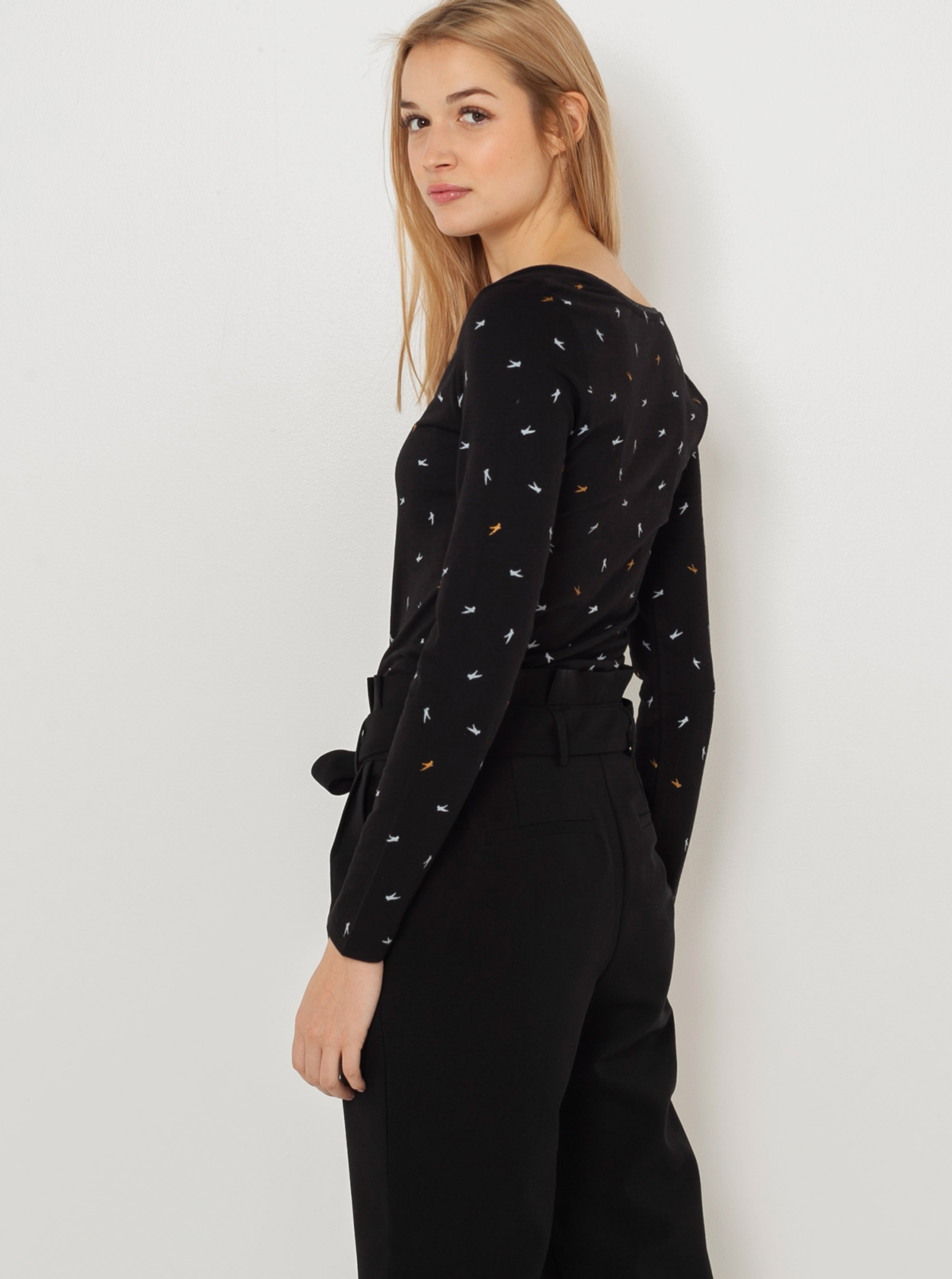 CAMAIEU black T-shirt with pattern