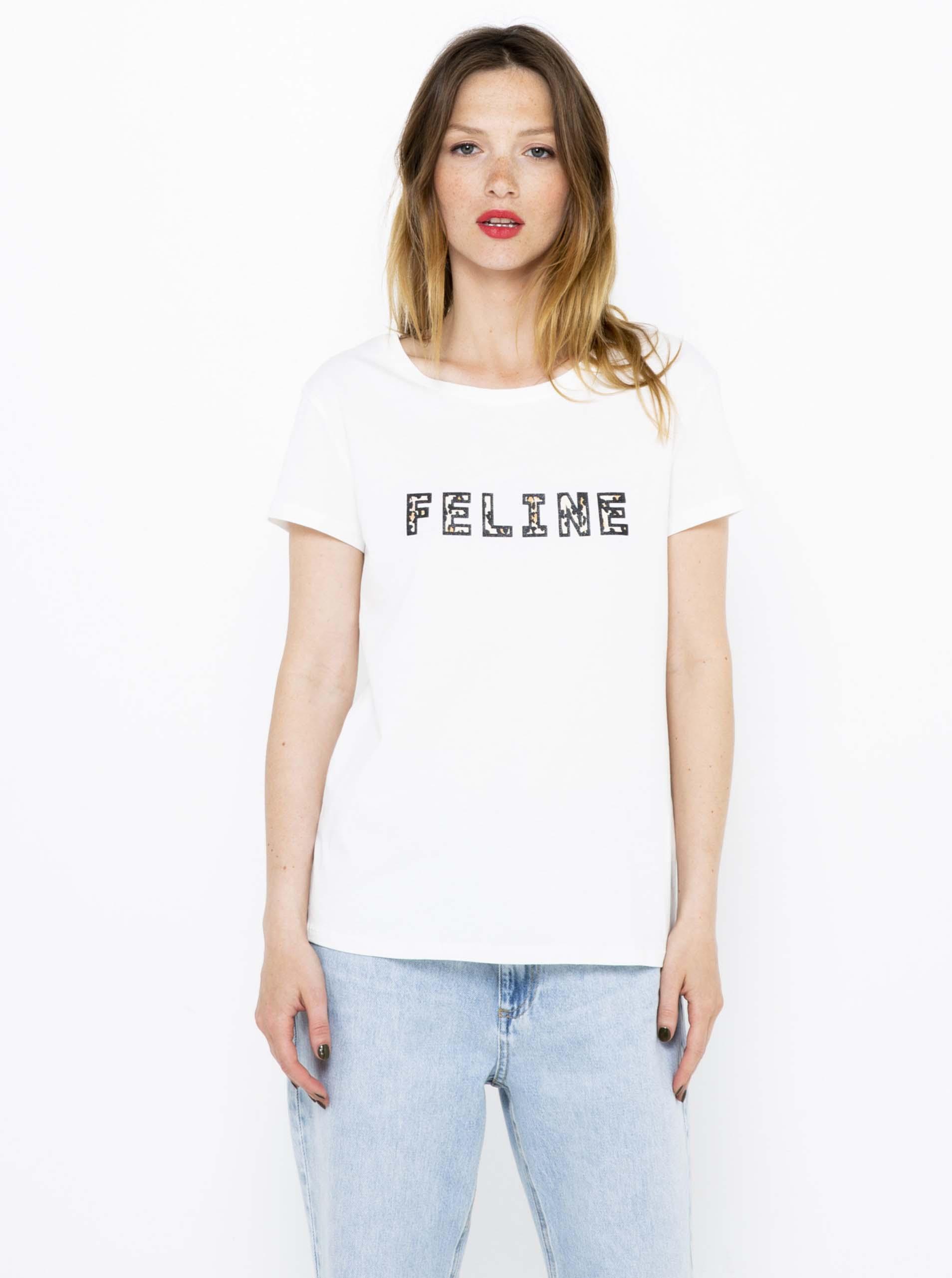CAMAIEU white T-shirt with a sign