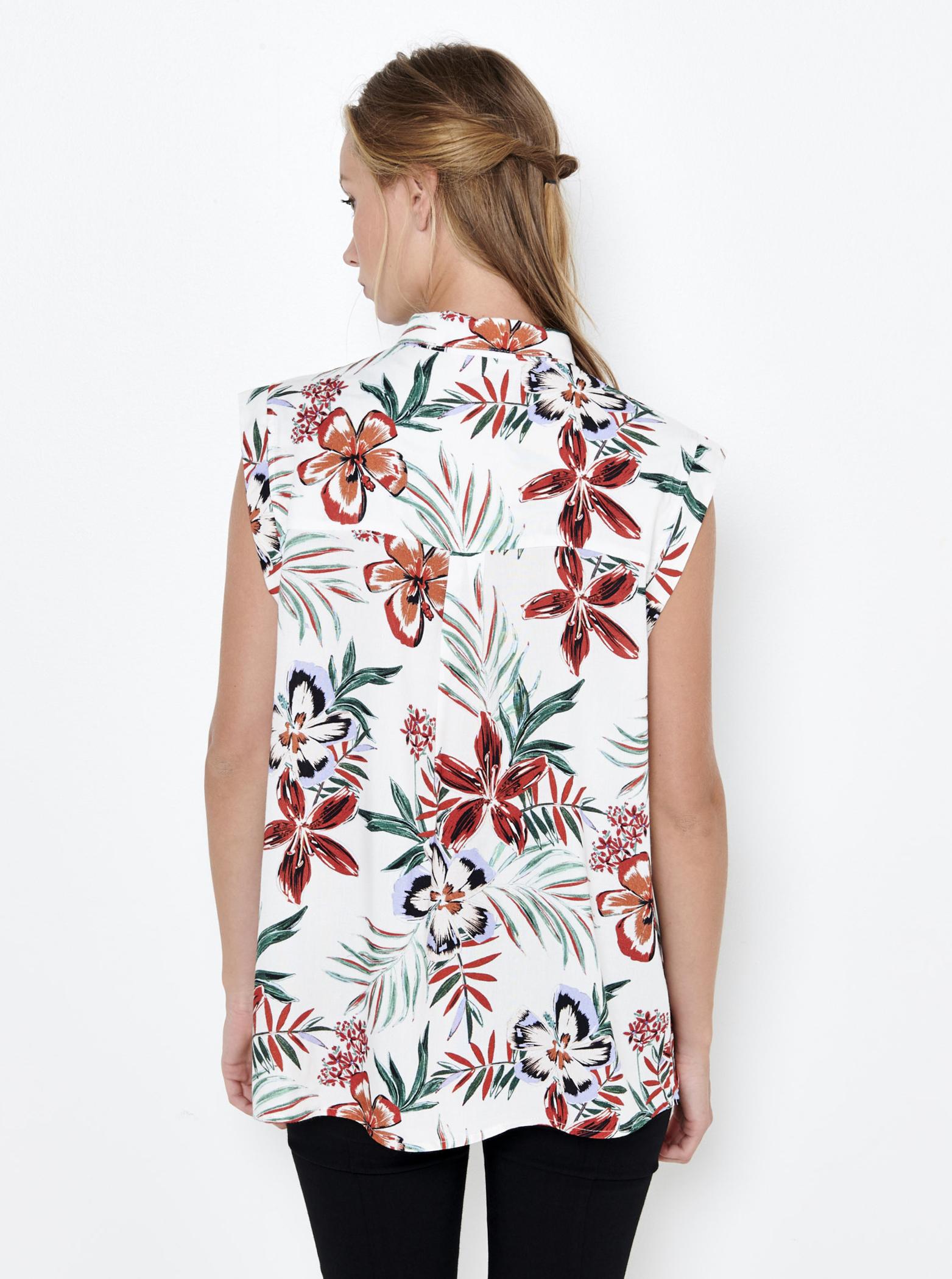 CAMAIEU white top with floral motif