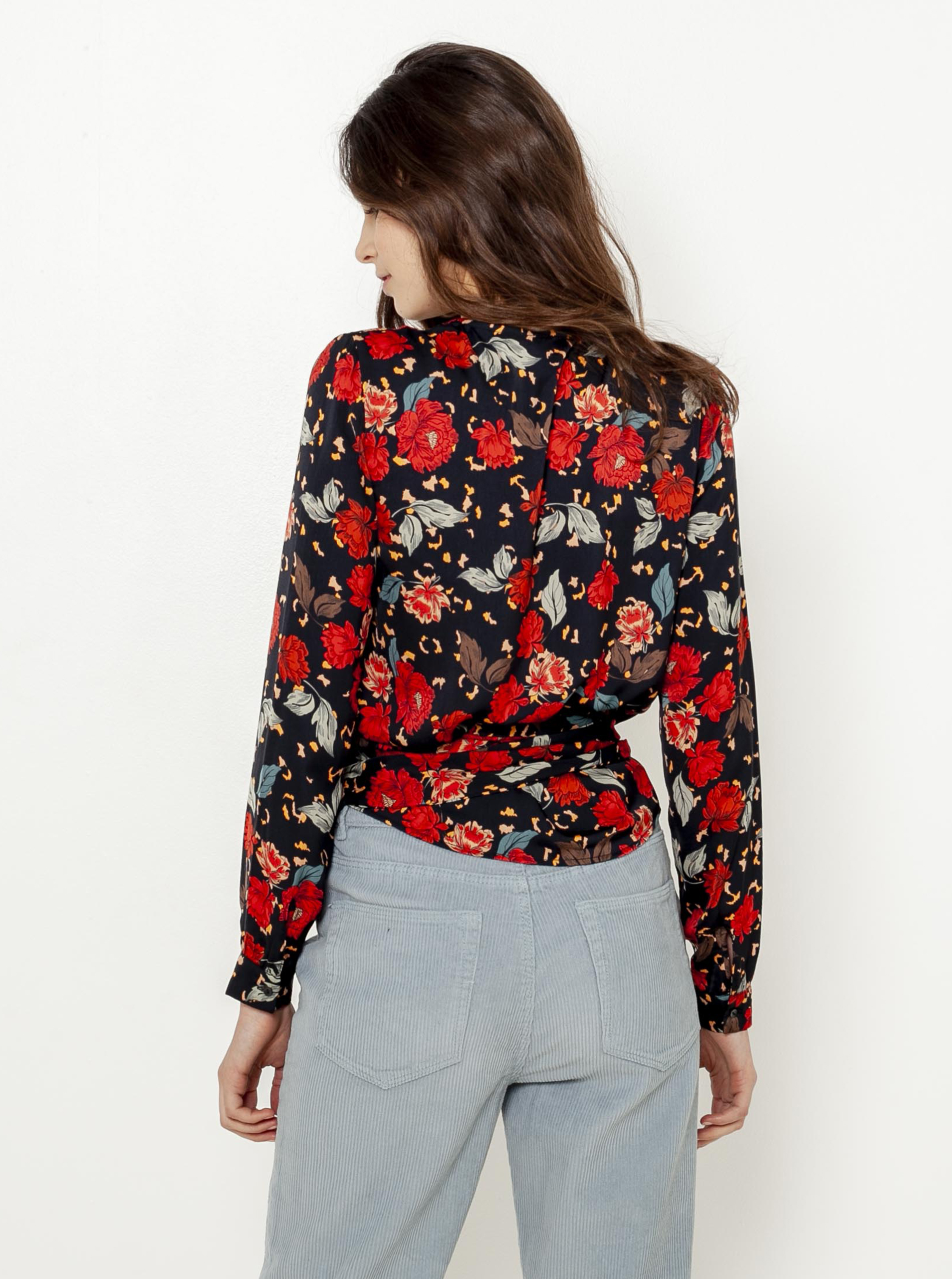 CAMAIEU black blouse with floral motif