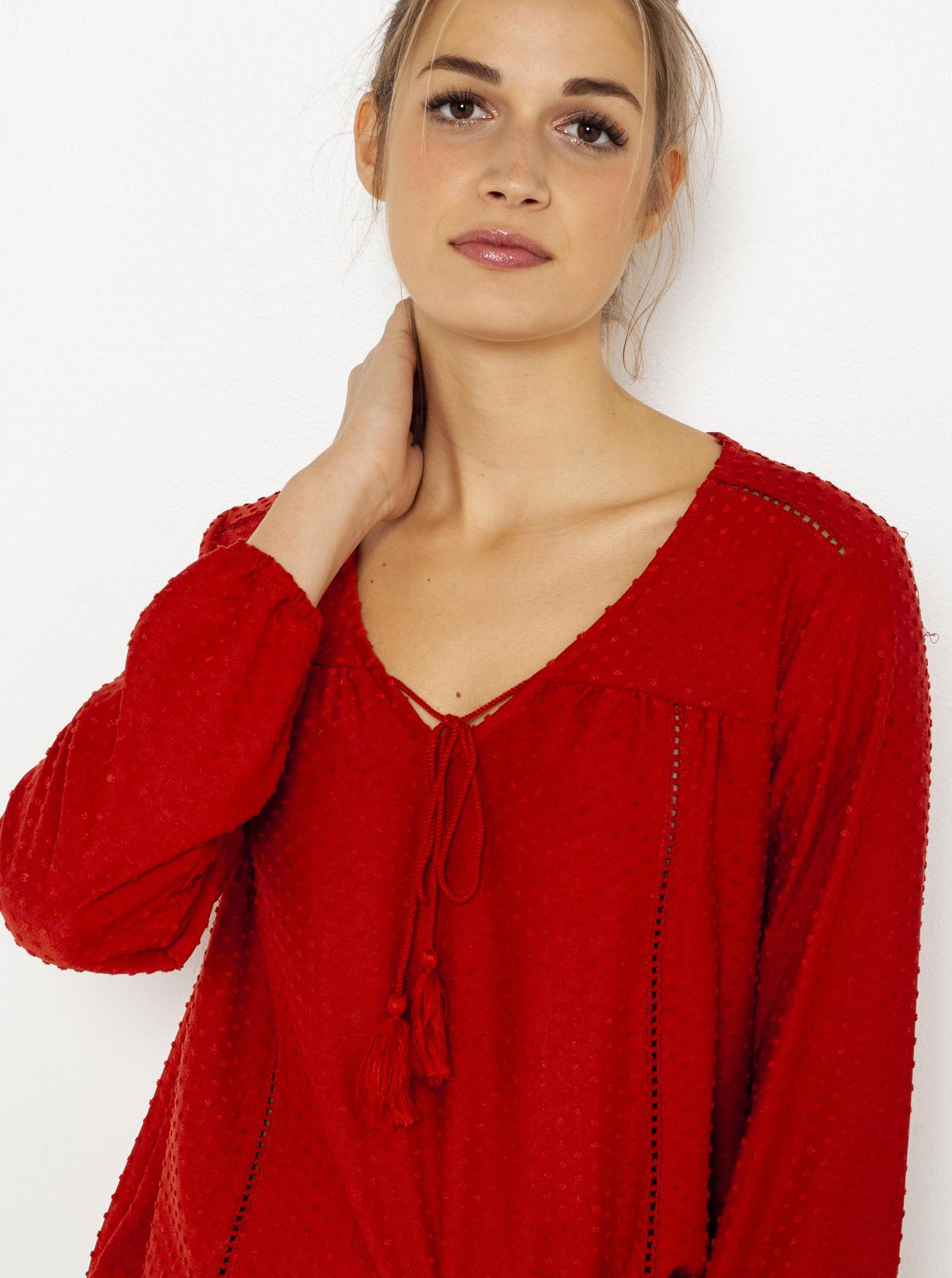 CAMAIEU red blouse
