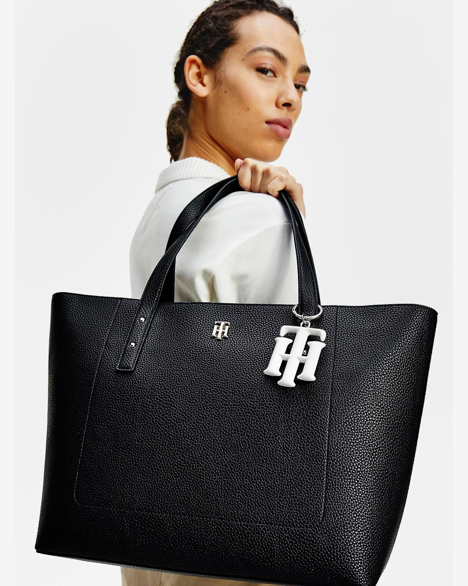 Tommy Hilfiger blue handbag TH Soft