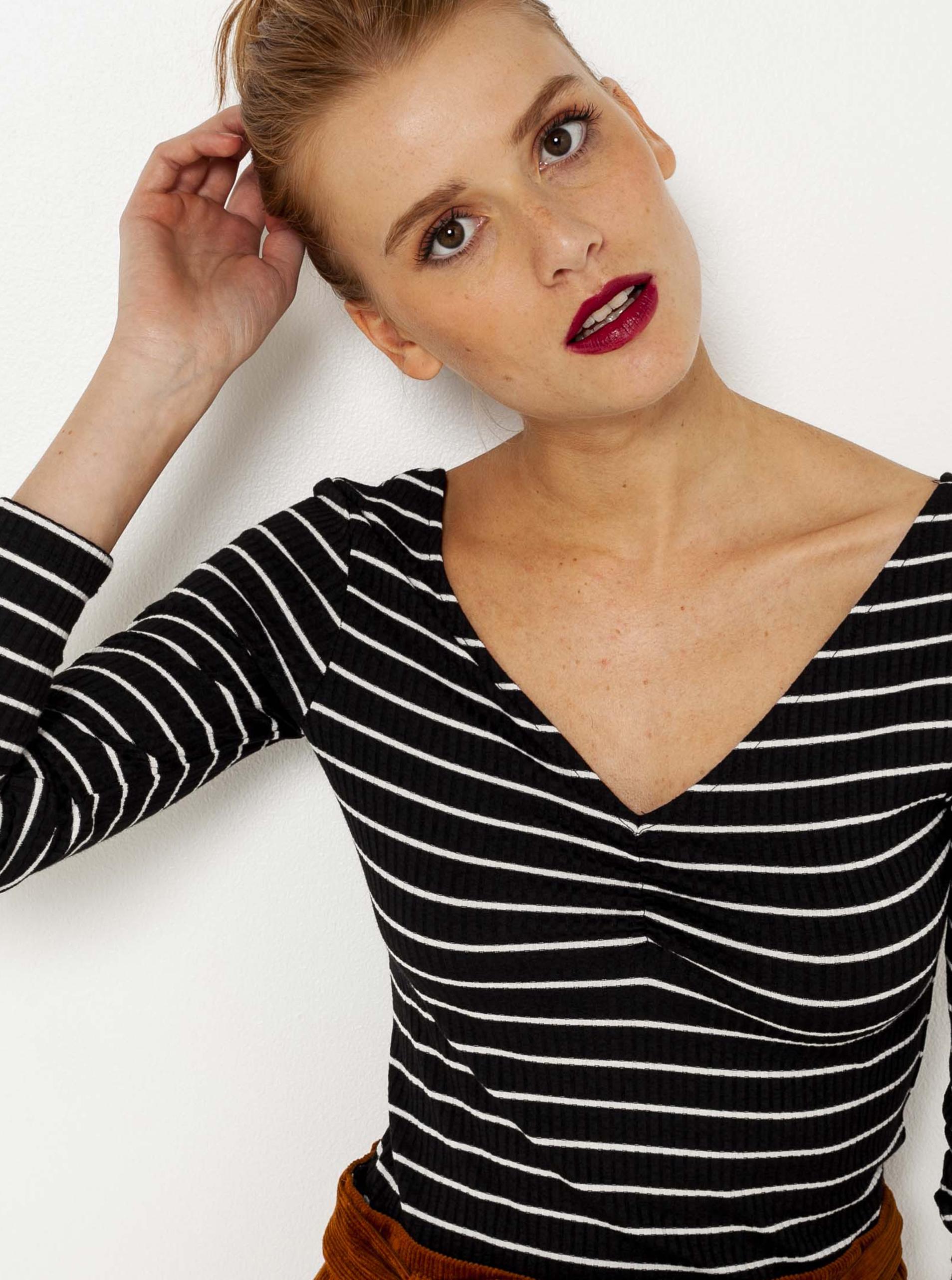 CAMAIEU black striped T-shirt