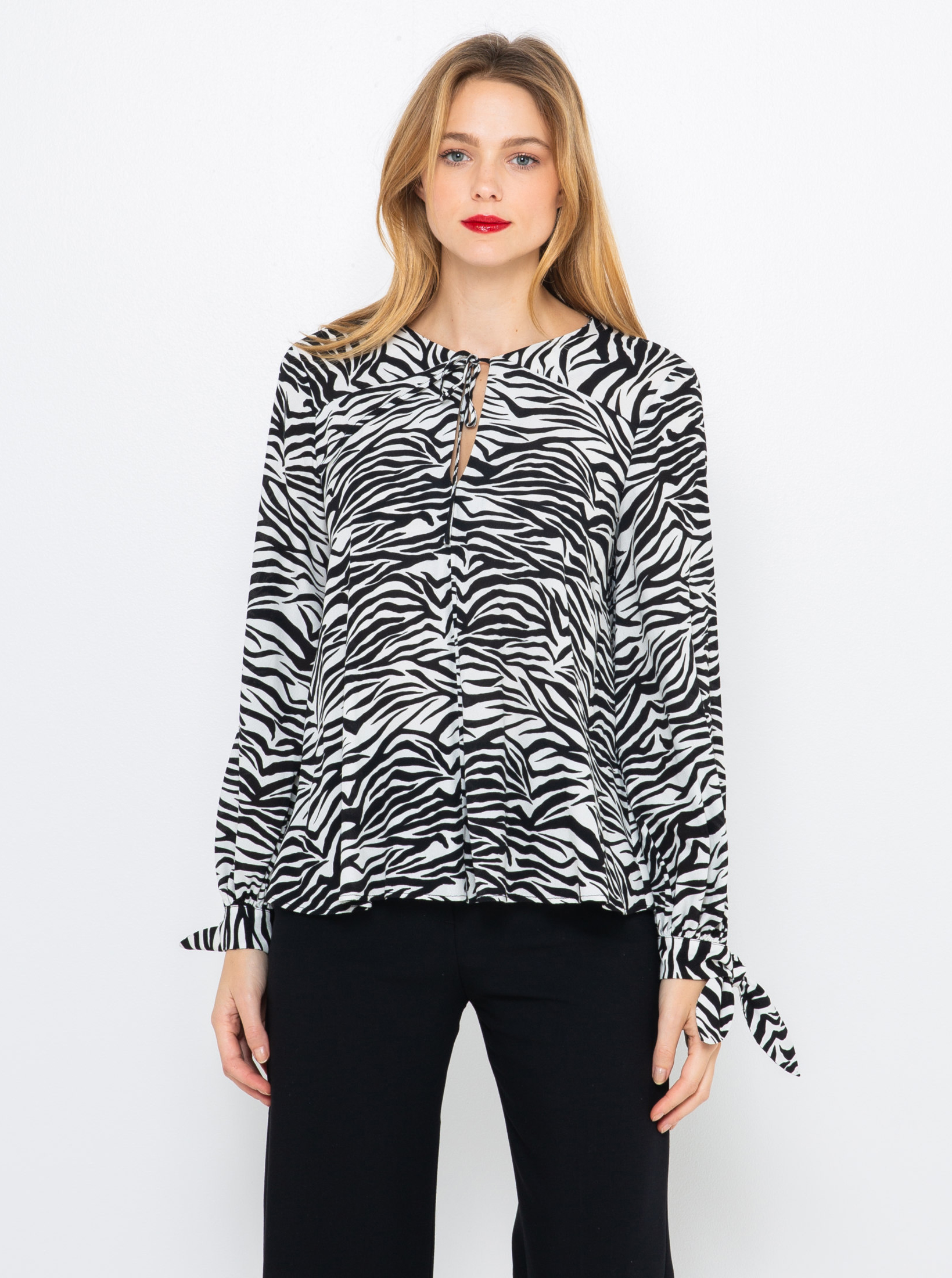 CAMAIEU black blouse with animal pattern