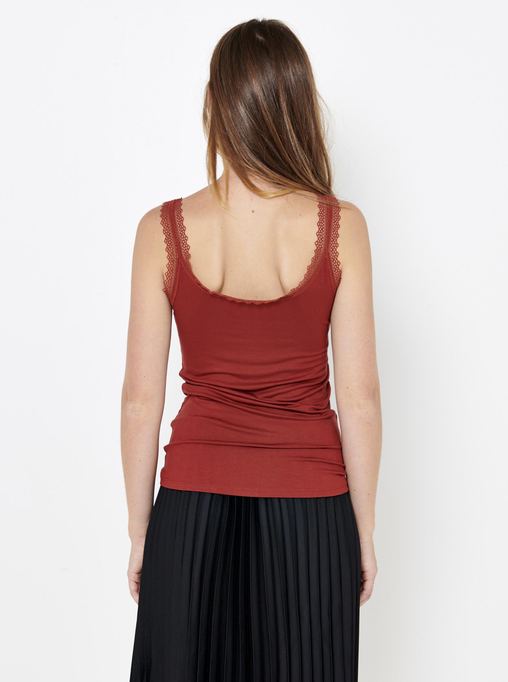 CAMAIEU Women's top red