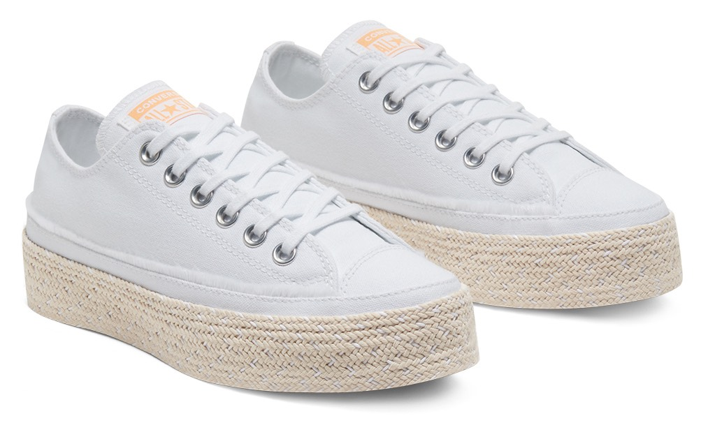 Converse white sneakers Chuck Taylor