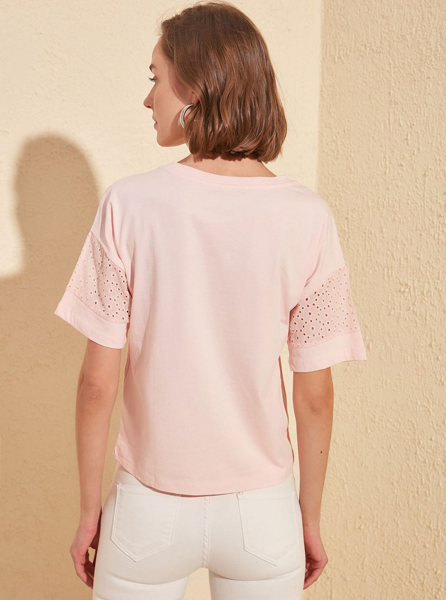 Trendyol pink women´s T-shirt with cutouts
