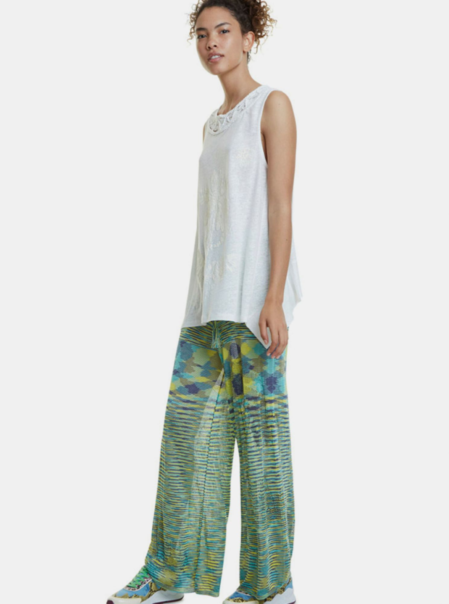 White tank top with Desigual flax