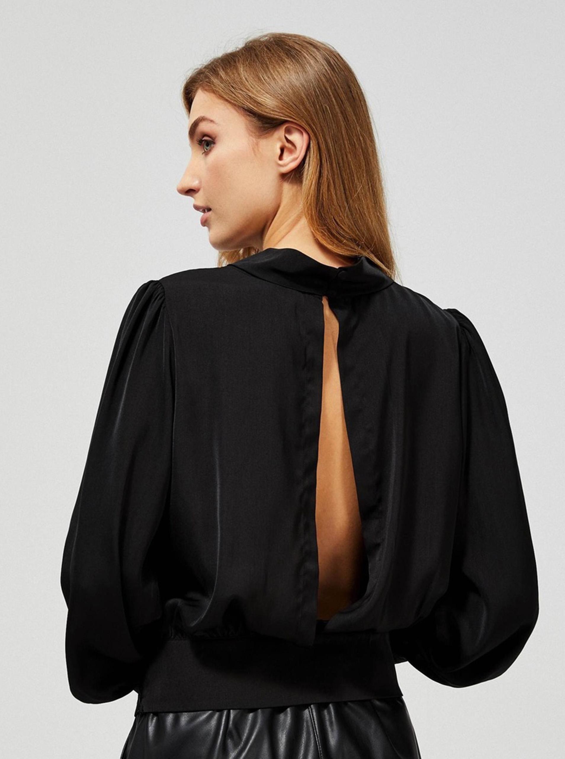 Moodo black top with cutouts