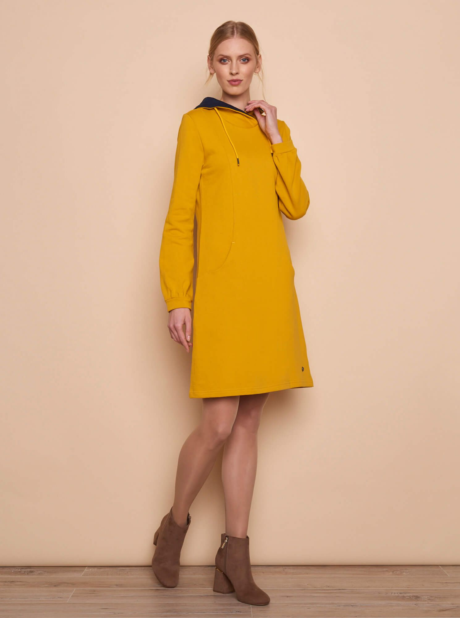 Tranquillo yellow mikinové dress with pockets