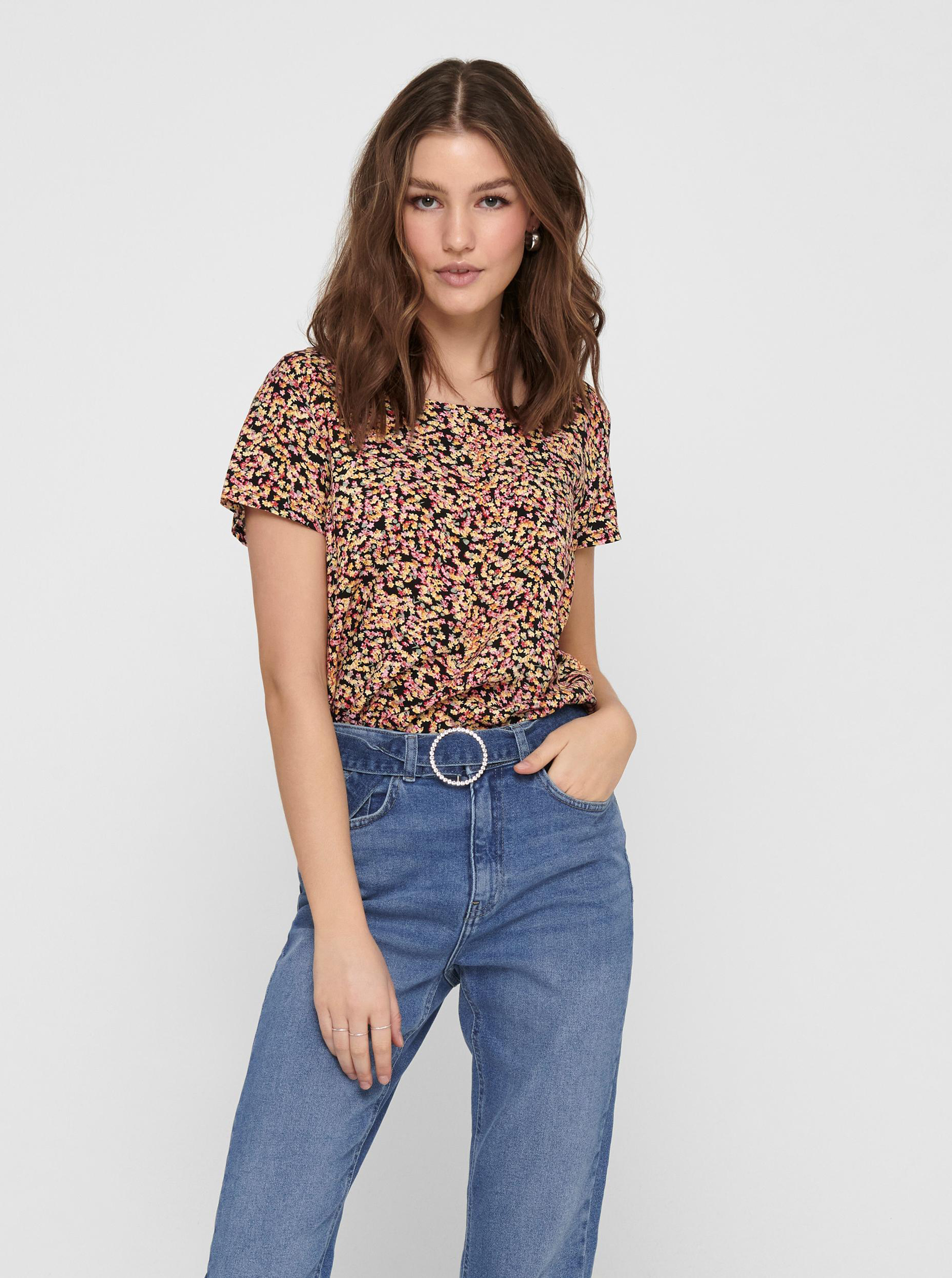 Only black women´s blouse with floral motif