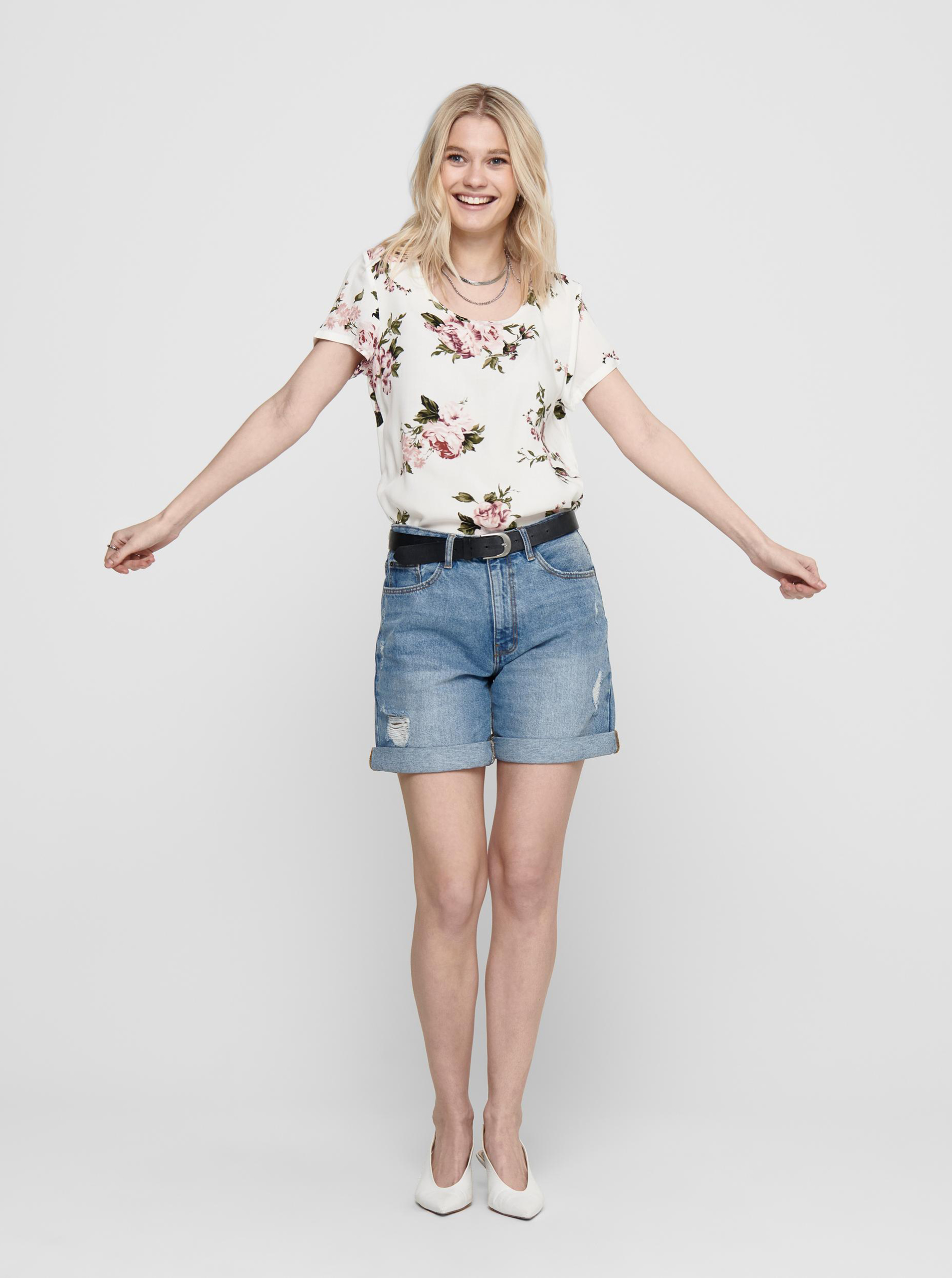 Only white women´s blouse with floral motif