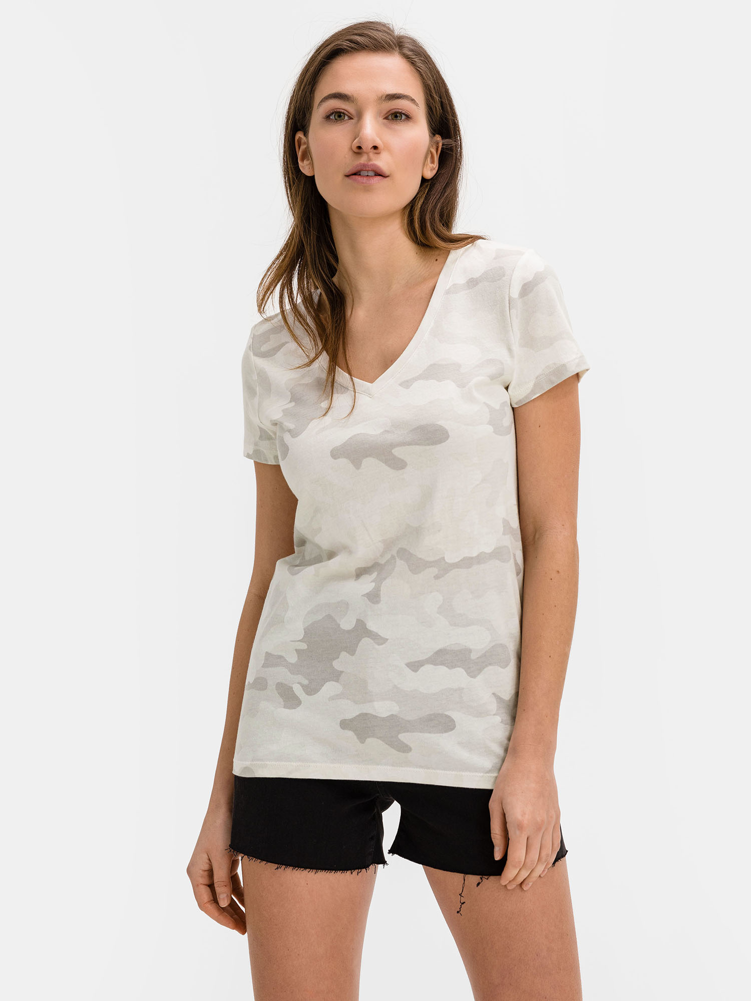 GAP grey T-shirt with pattern
