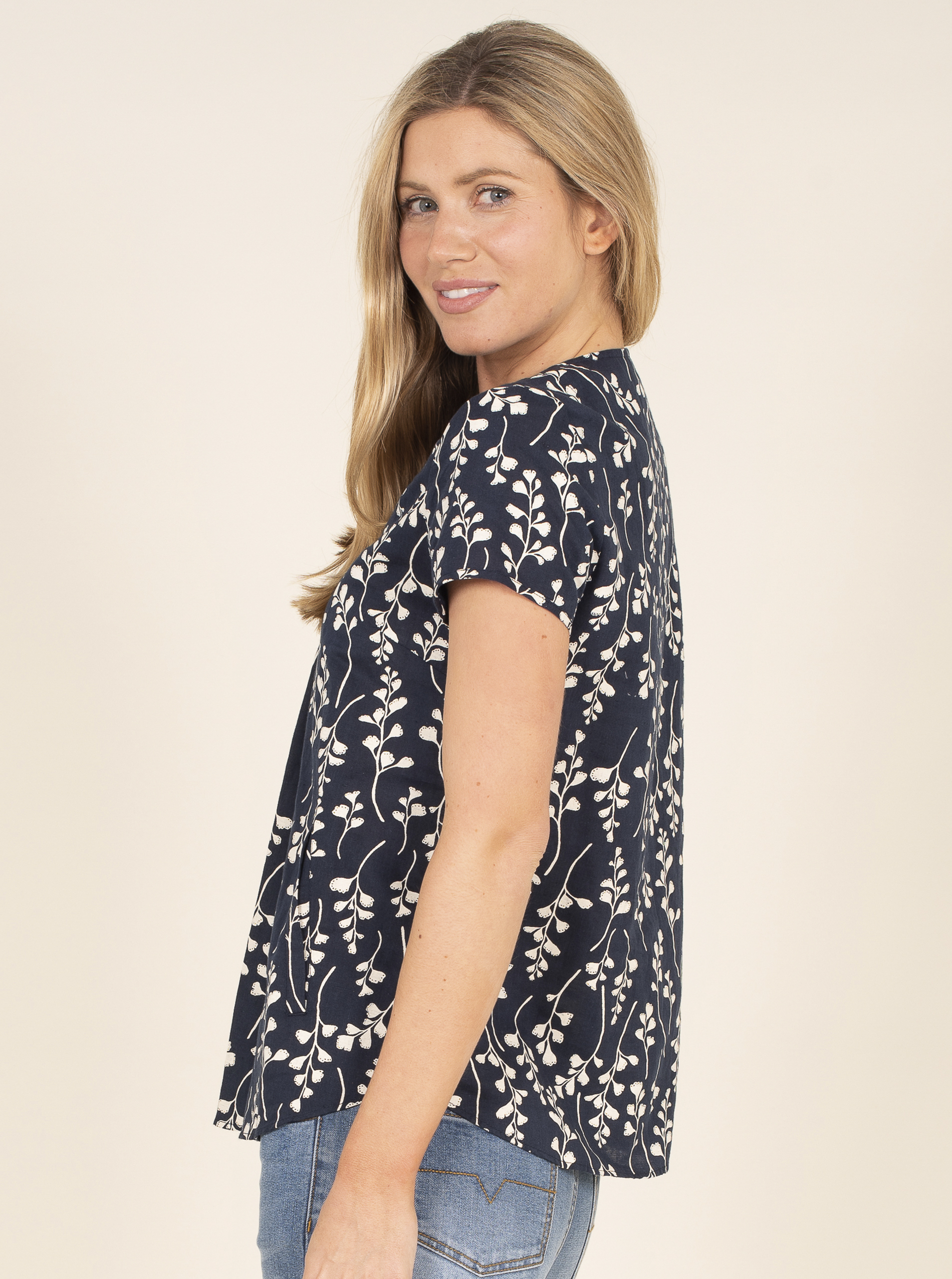 Brakeburn blouse with floral motif