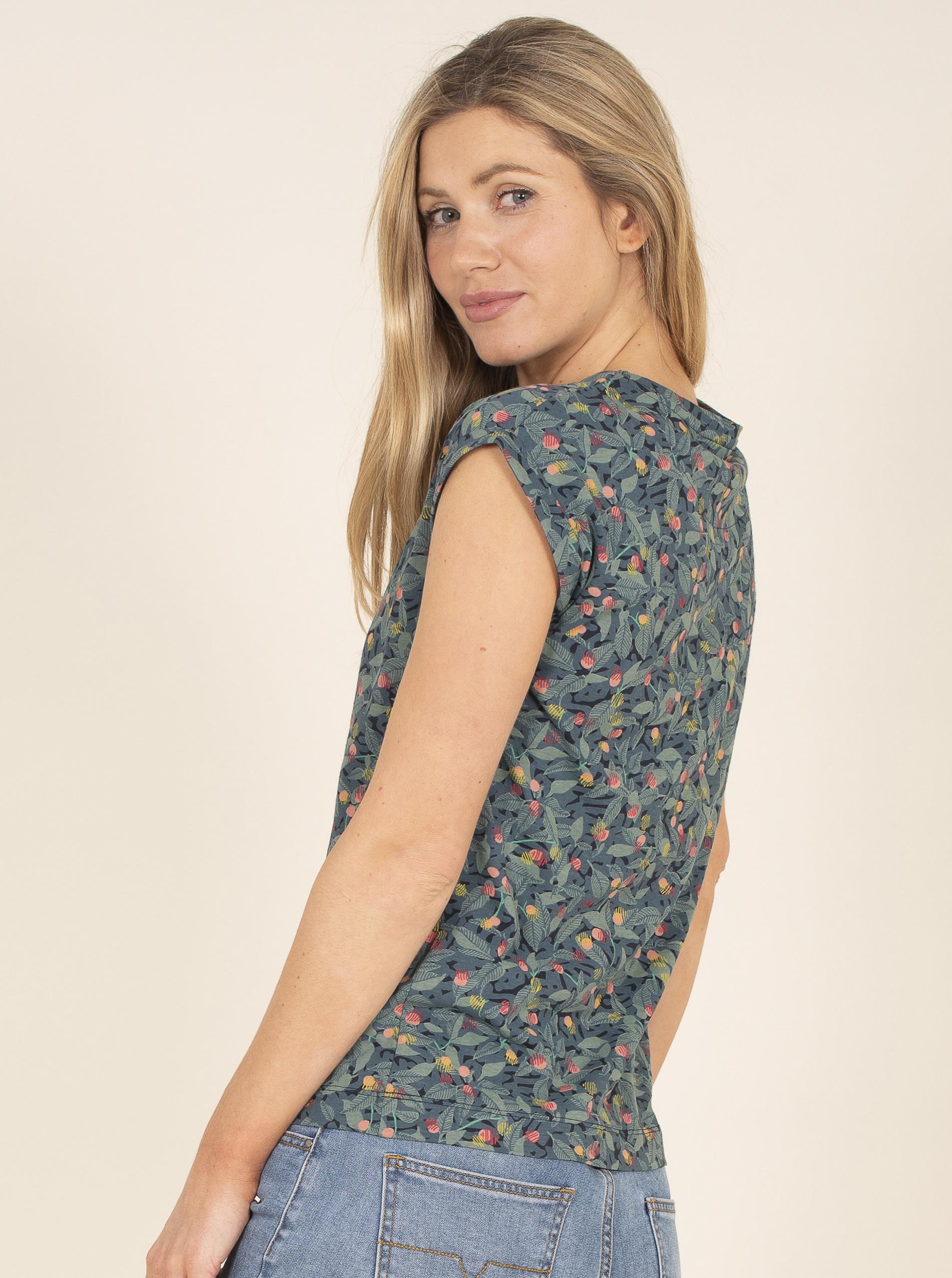 Brakeburn blue T-shirt with floral motif