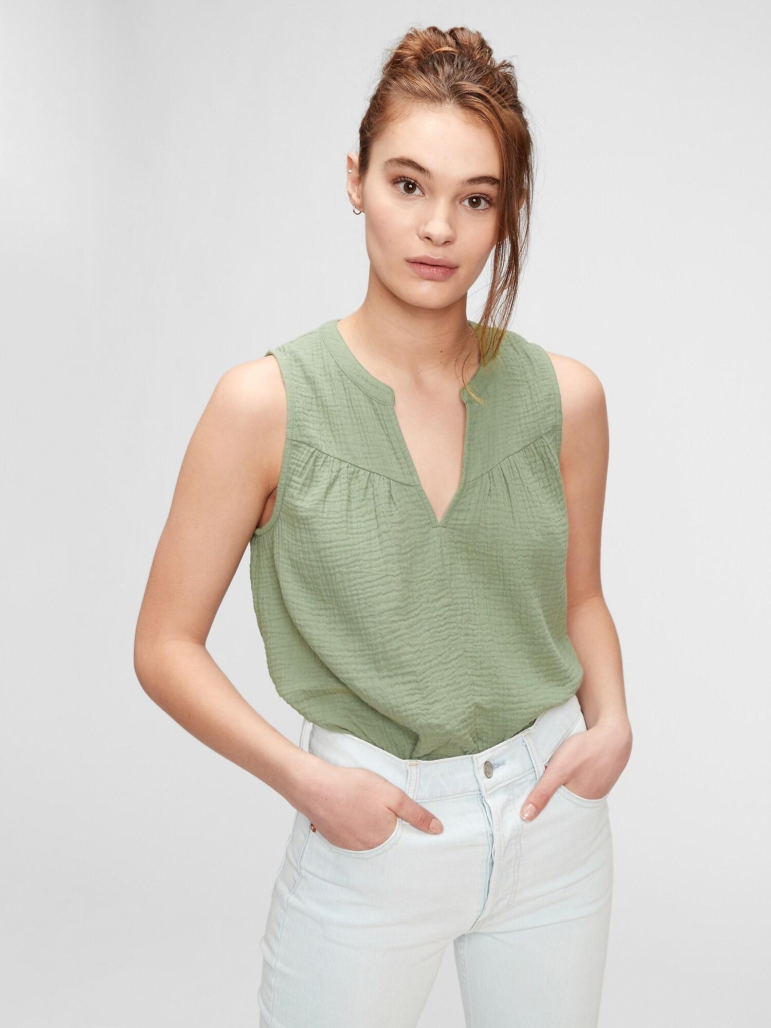 GAP green top