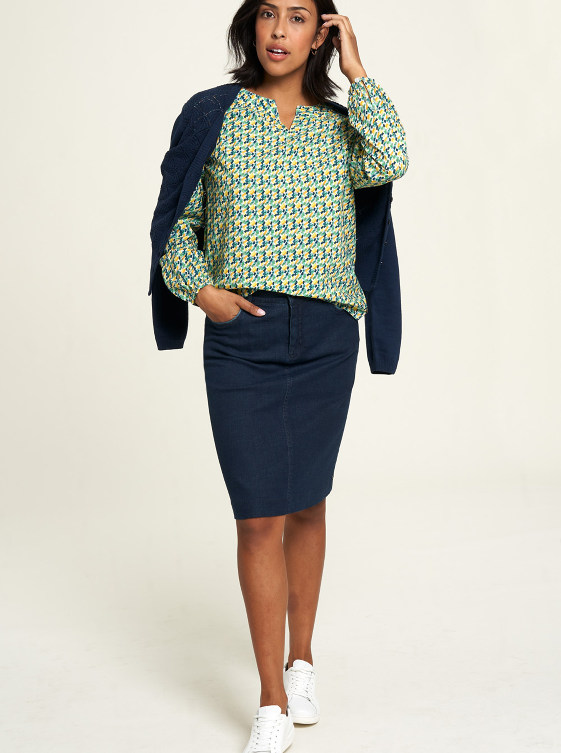 Tranquillo green blouse with pattern